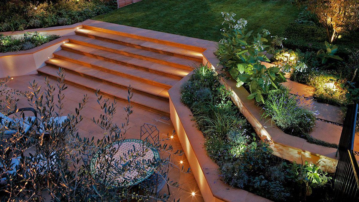 تکنیک های نورپردازی در باغ ویلا